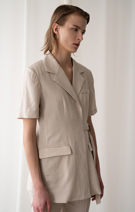 AMONG SEOUL A Linen Strap Jacket - Beige