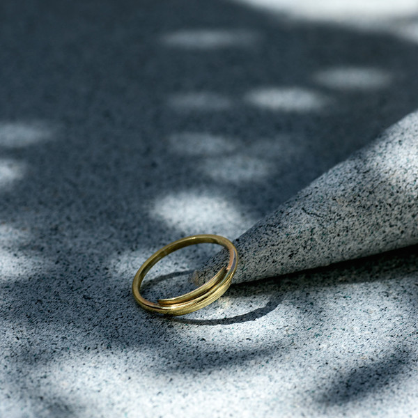 Knobbly Studio Line + Surface Ring in Gold