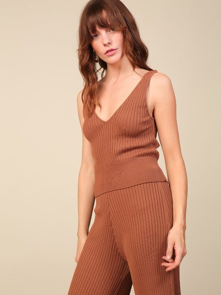 Line & Dot Lynn Sweater Tank - Mocha