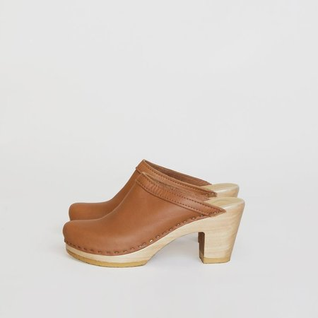 NO.6 OLD SCHOOL CLOG - PALOMINO