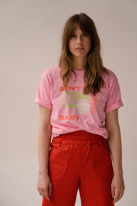 Unisex Don't Worry Baby Slinky Tee - Pink