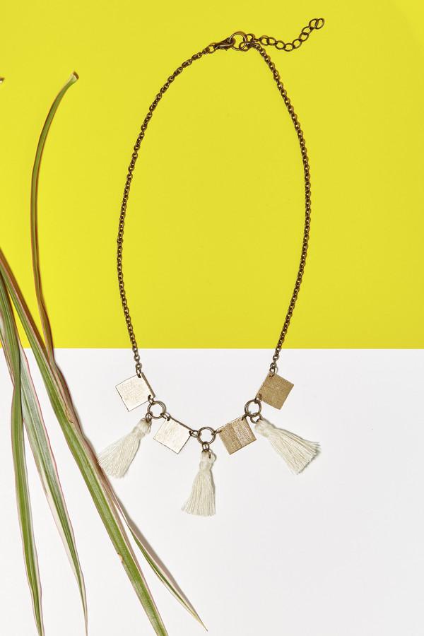 Geography 541 Eventyr Collar Necklace- Cream