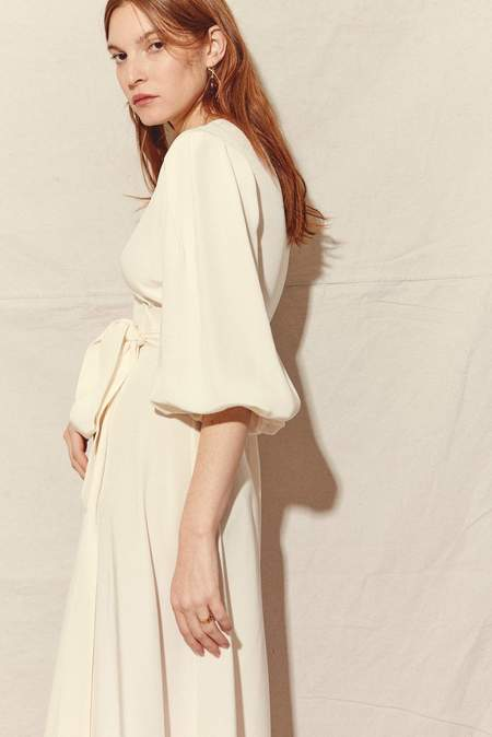 Kamperett LORETTA SILK WRAP DRESS - WHITE