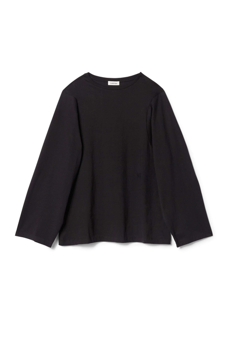 TOTÊME Espera Long Sleeve T-Shirt With Curved Armhole - Black