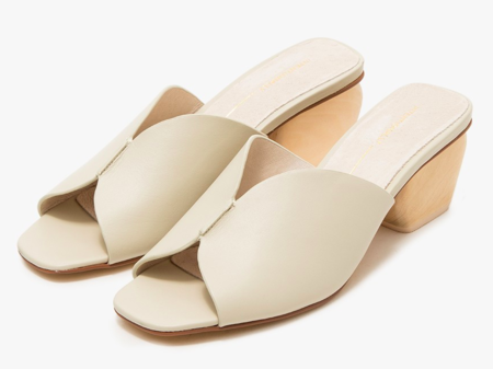 """INTENTIONALLY __________."" Jones Sandal - Bone"