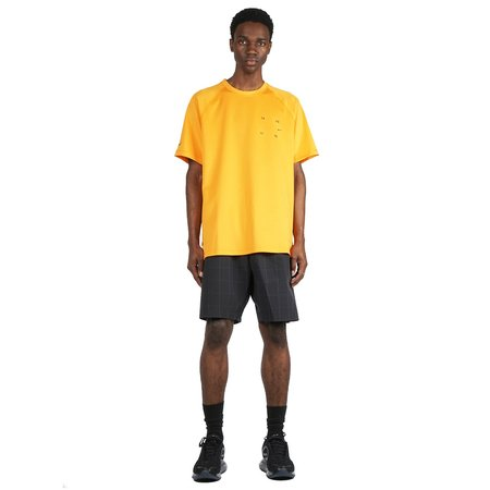 Nike TECH PACK SHORT SLEEVE T-SHIRT - KUMKUAT/BLACK