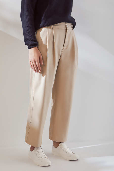 Kowtow Faculty Pant in Sand Canvas