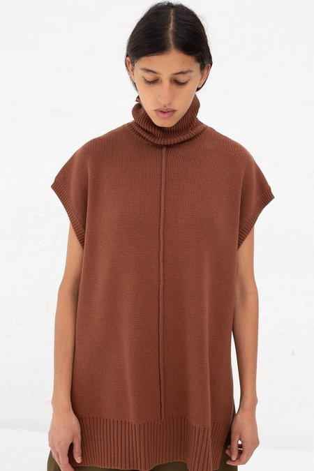 Nomia Sleveless Seam TNeck - Nutmeg