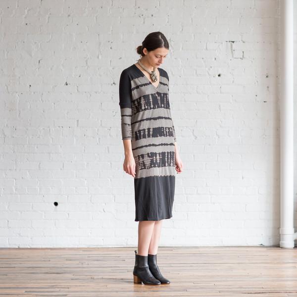 Raquel Allegra Easy V-Neck Dress