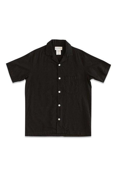 Unisex SEEKER Vacation Shirt - Black