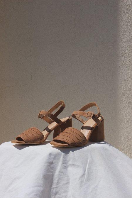 About Arianne rita sandal