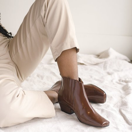 About Arianne Gloria Boot - Brandy
