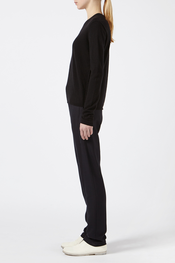 Black Cashmere Pullover With Cut Out by Oyuna