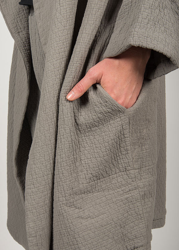 Black Crane - Quilt Coat in Grey