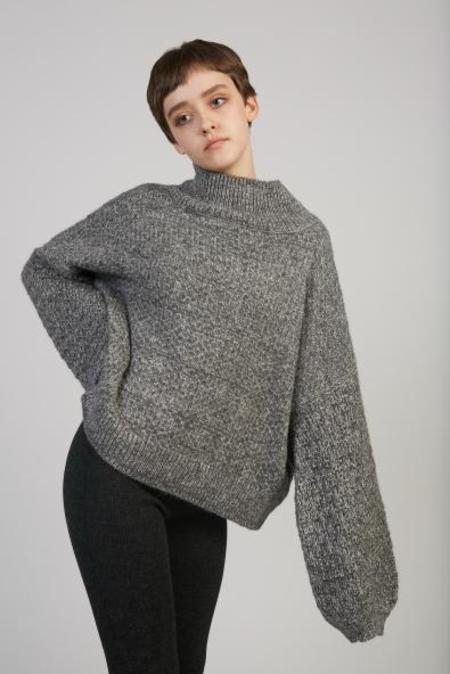 Wol Hide Tulip Sleeve sweater - charcoal