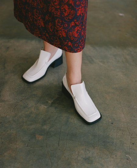 Suzanne Rae Wide Toe Loafer - White