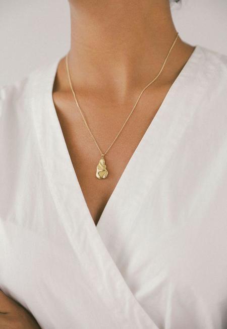 Wolf Circus Iris Necklace - Gold