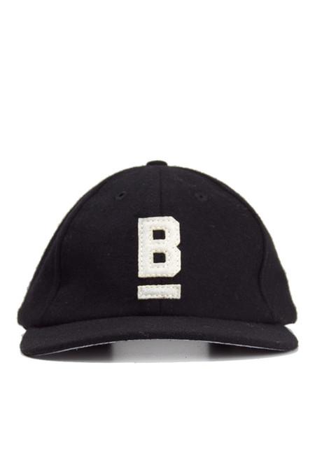 Bridge & Burn B Flat Wool Cap Black