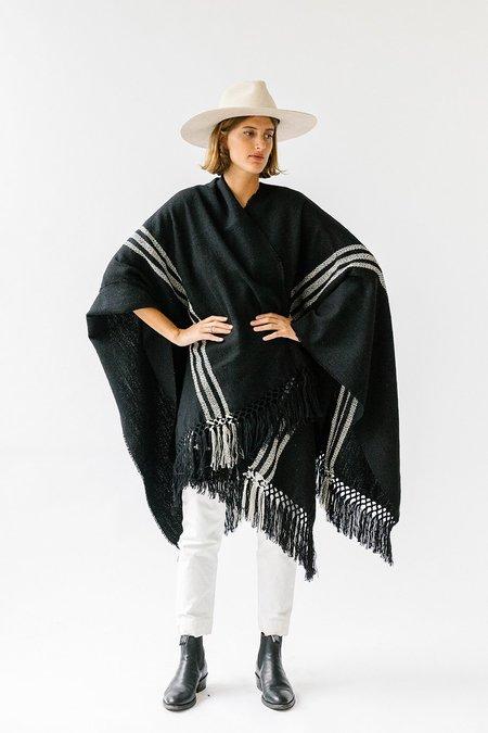 Pampa poncho - White/black