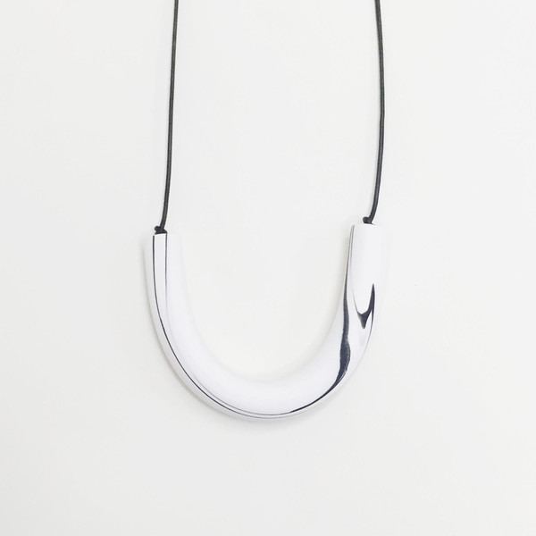 Sea + Pattern - White Marbled Bar Necklace