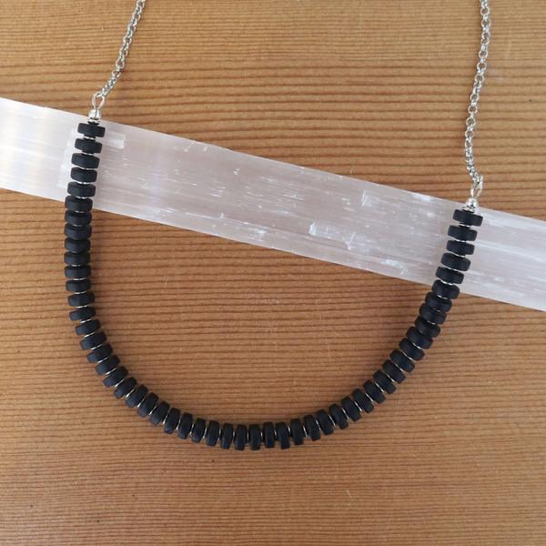 RHINO Long sea glass necklace - Black