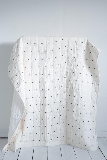Karu Dot-Dash Quilt & Robe Gift Set