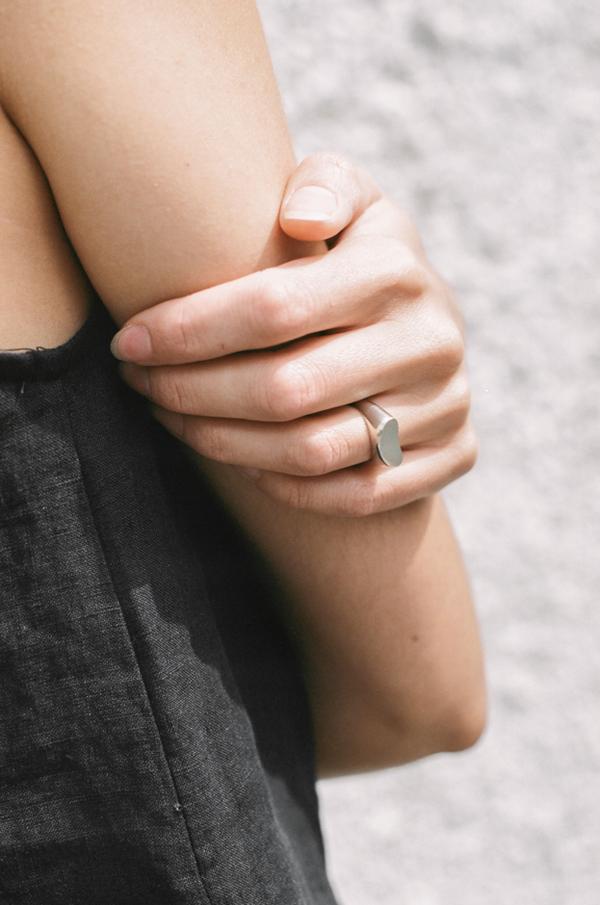 Muraco Wolfe Kidney Signet Ring