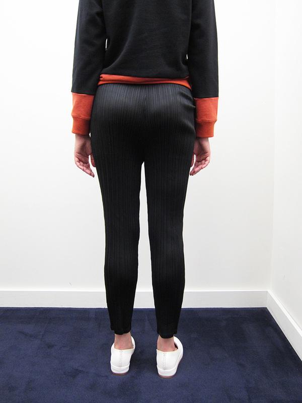 Issey Miyake Straight Slim Pant - Black