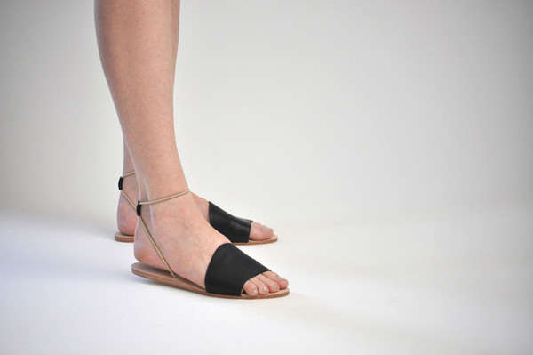 The Palatines Shoes Refero Sandal - Black Leather W Beige Elastic
