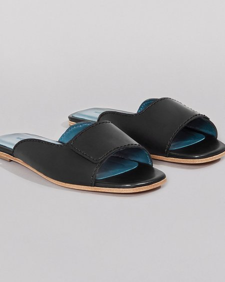 WILDER SHOES MAUDE SLIDE - BLACK VACHETTA
