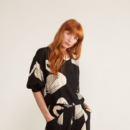 THE ODELLS Everly Button Back Top - Black Swan