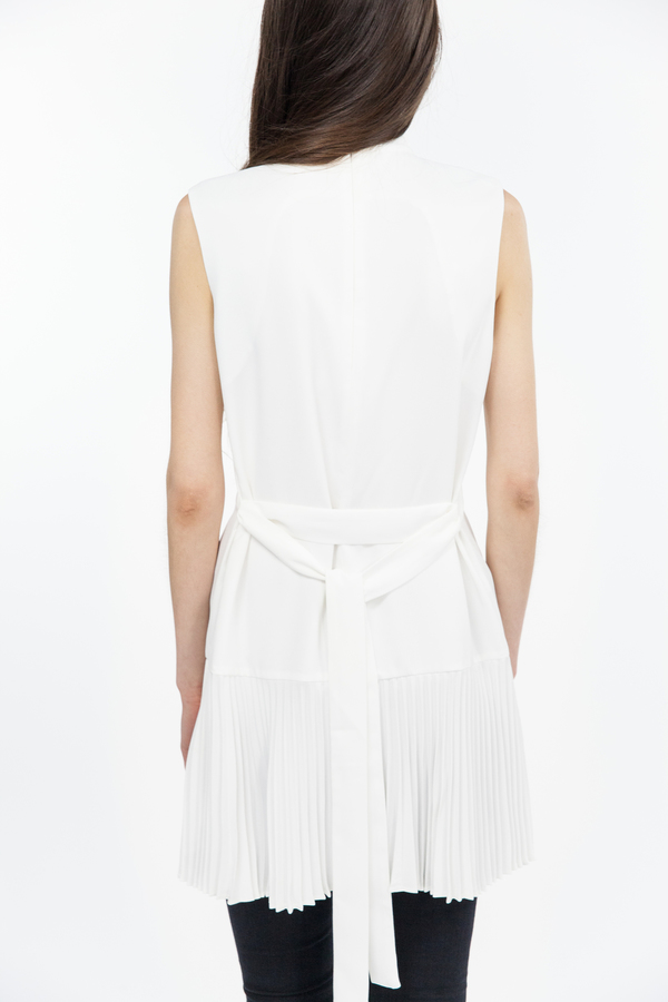 TY-LR The Sculptured Top - White