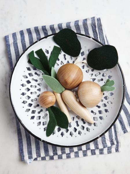 MILTON & GOOSE Wooden Veggies Play Food Set