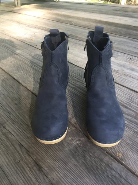 "No.6 5"" Leather Buckle Boot Mid Heel - Navy"