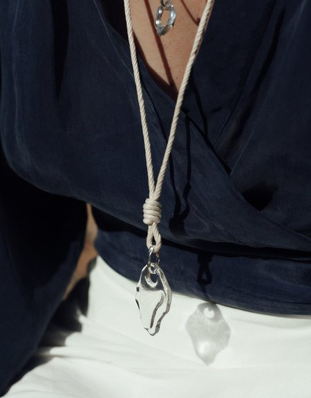 Cled Rope Knotted Necklace