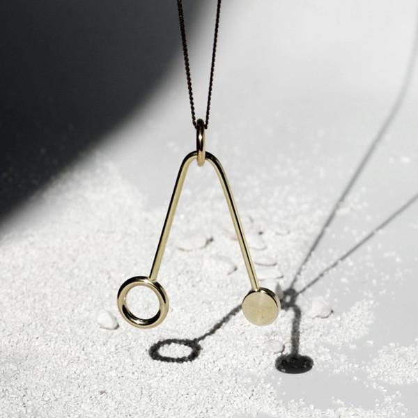 Disc + Ring V Necklace J16