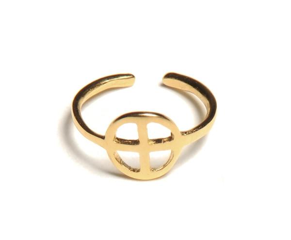 ALYNNE LAVIGNE - Cross-Circle Ring