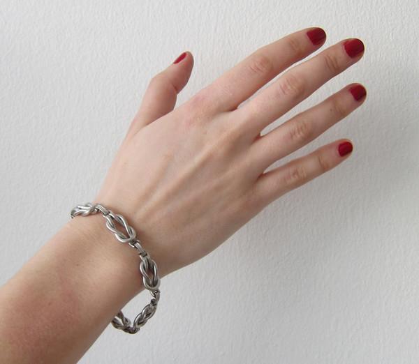 ALYNNE LAVIGNE vintage - Silver Knot Bracelet
