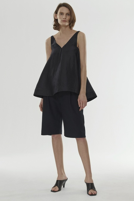 Totême LANCIANO VOLUMINOUS A LINED TOP - BLACK