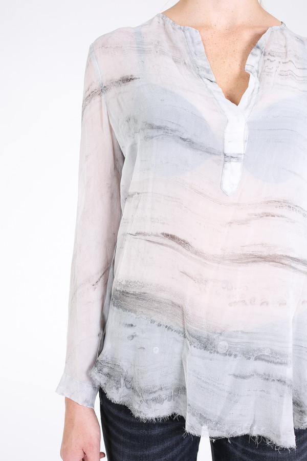 Raquel Allegra Henley blouse in grey