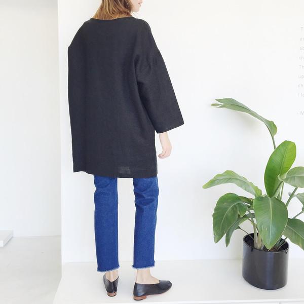 LLOYD Black Linen Tunic