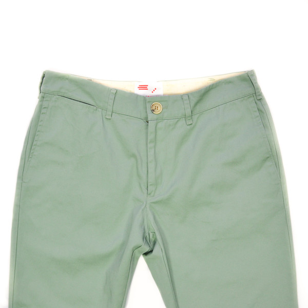 GENERAL ASSEMBLY - SLIM SUN-WASHED CHINO - MOSS