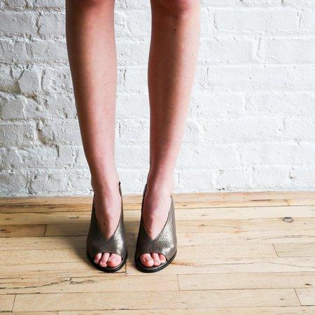 [pre-loved] Zero + Maria Cornejo Metallic Sandals - bronze