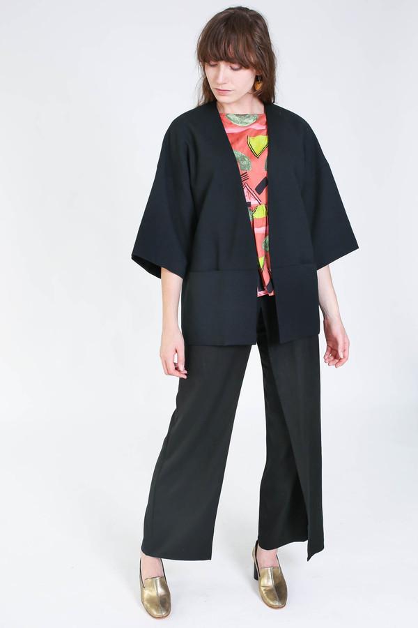Obakki Coat in black