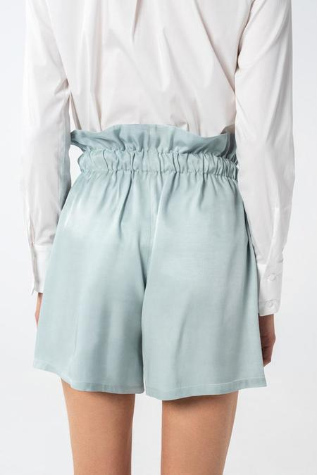 AISHA DIRI DRAWSTRING SHORTS VISCOSE - Shy Green