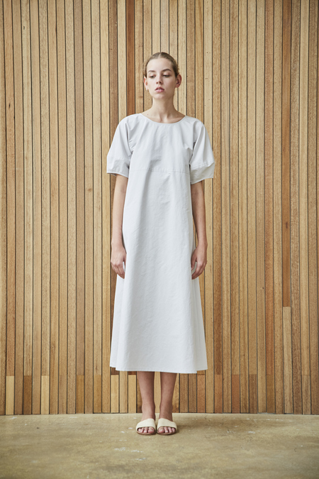 Maison De Ines GATHERED NECK DRESS WITH RIBBON DETAIL - white