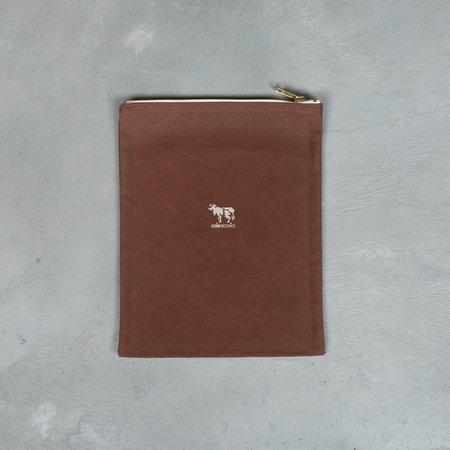 COW BOOKS Pouch (M) - Brown