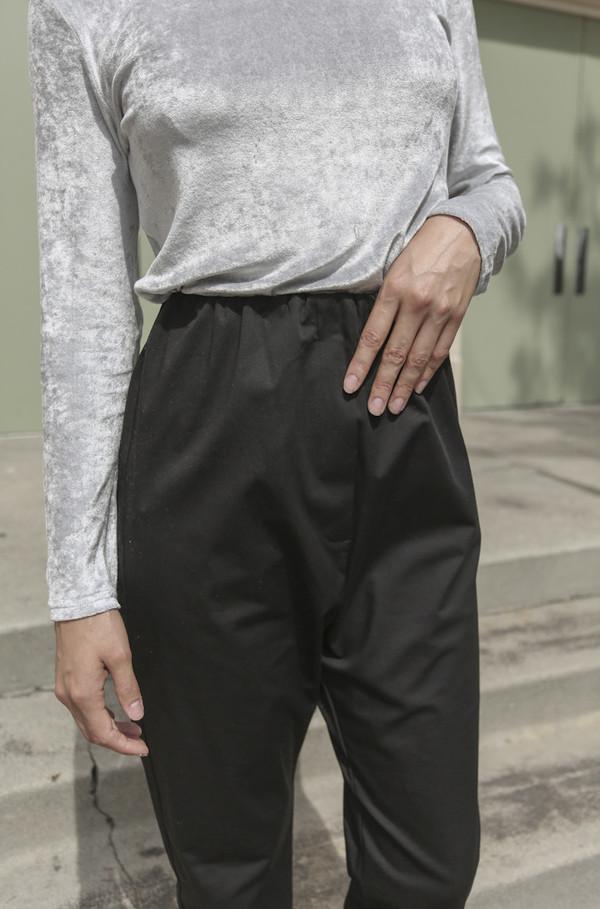 Baserange Azour Highwaist Pant in Black