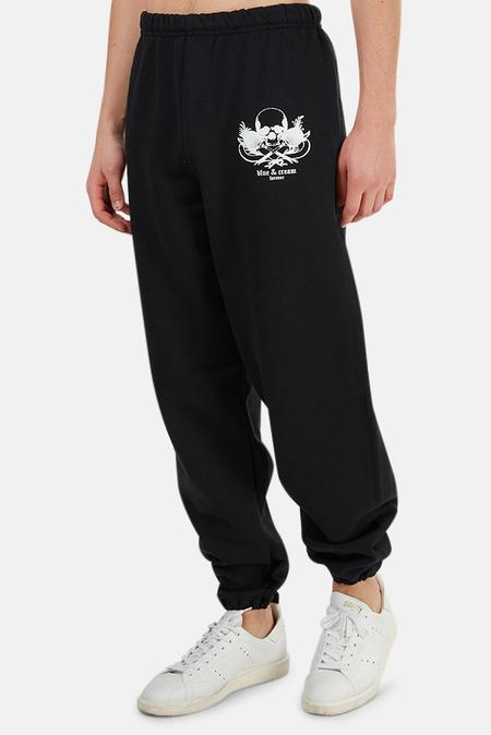 Blue&Cream Forever Skull Sweatpants - Black