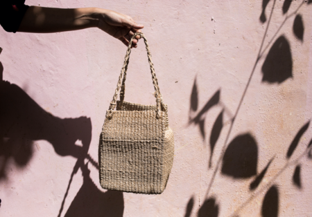 Abacá tiwi box purse